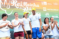 RIO DE JANEIRO, RJ, 15.12.2013 -REI E RAINHA DO MAR / DESAFIO ELITE / RJ - Cerimônia de premiação do desafio elite rei e rainha do mar, na manhã deste domingo (15), os brasileiros, Samuel de Bona e Poliana Okimoto em primeiro lugar foram consagrados rei e rainha do mar respectivamente, em segundo lugar os sul africanos Kary Anne Payne e Chad Ho e em terceiro lugar os italianos Alice Franco e Valerio Cleri, em Copacabana, zona sul da cidade do Rio de Janeiro. (Foto: Marcelo Fonseca / Brazil Photo Press).