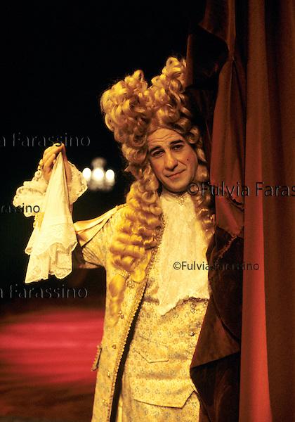 Milano, novembre 1995, Teatro Dell\'Elfo, Toni Servillo sulla scena del Misantopro, compagnia teatrale Teatri Uniti,.Tony Servillo to play Moliére\'s The Misanthrope