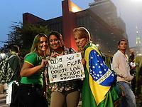 SAO PAULO - SP -  20 DE JUNHO DE 2013 - MOVIMENTO PASSE LIVRE, Sétima movimentação na Av Paulista, ocorre em clima pacifico.  FOTO: MAURICIO CAMARGO / BRAZIL PHOTO PRESS.