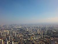 SAO PAULO, SP, 09.06.2013 - CLIMA TEMPO - Vista da cidade de São Paulo a partir do bairro na Mooca neste domingo, 09. (Foto: Luiz Guarnieri / Brazil Photo Press).