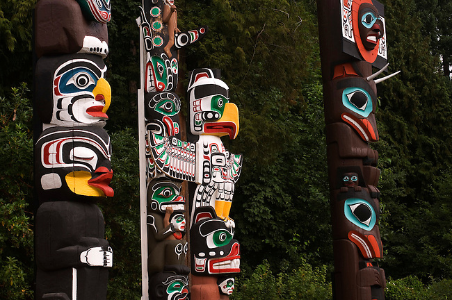 CANADA, BRITISH COLUMBIA, VANCOUVER, STANLEY PARK, TOTEM POLES