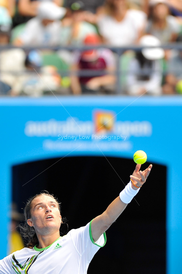 MELBOURNE, 26 JANUARY - Alexandr Dolgopolov (UKR) in action during his quarter final match against Andy Murray (GBR) on day ten of the 2011 Australian Open at Melbourne Park, Australia. (Photo Sydney Low / syd-low.com)