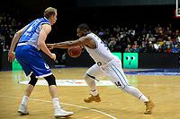 GRONINGEN - Basketbal, Donar - Landstede Martiniplaza, Dutch Basketbal League, seizoen 2018-2019, 06-12-2018, Donar speler Lance Jeter met Landstede speler Kevin Bleeker