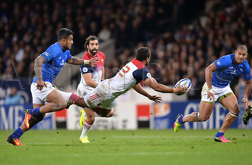 12.11.2016. Stadium Toulouse, Toulouse, France. Autumn International rugby match, France versus Samoa.  Wesley Fofana (fra) lays the ball off as he is tripped
