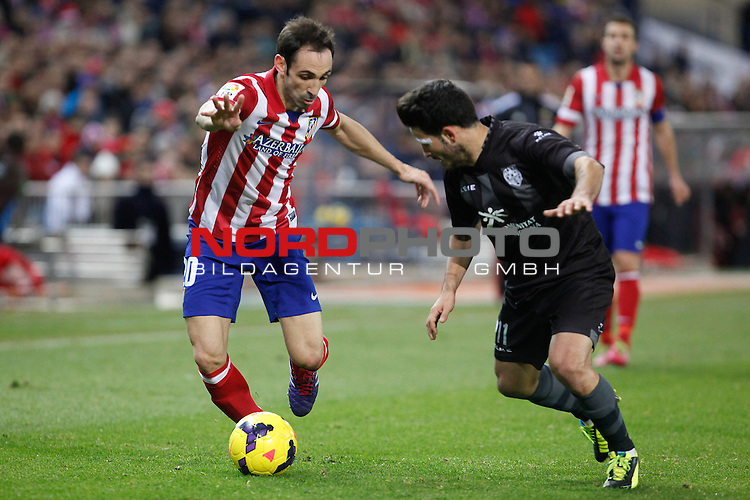 Atletico de Madrid¬¥s Juanfran (L) and  Levante¬¥s Ruber G during La Liga 2013-14 match at Vicente Calderon stadium, Madrid. December 21, 2013. Foto © nph / Victor Blanco)