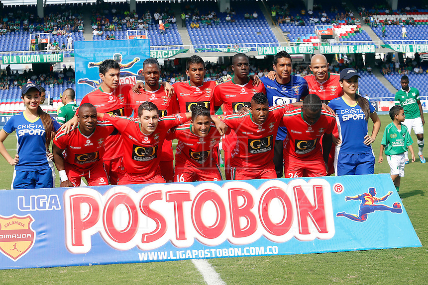 CALI -COLOMBIA-16-03-2014. Jugadores de Patriotas FC posan para una foto de grupo previo al encuentro con Deportivo Cali por la fecha 11 de la Liga Postobon I 2014 jugado en el estadio Pascual Guerrero de Cali.  / Jugadores de Patriotas FC pose to a photo group prior a match with Deportivo Cali for the 11th date of the Liga Postobon I 2014 played at the Pascual Guerrero stadium in Cali city.  Photo: VizzorImage/ Juan C Quintero /STR