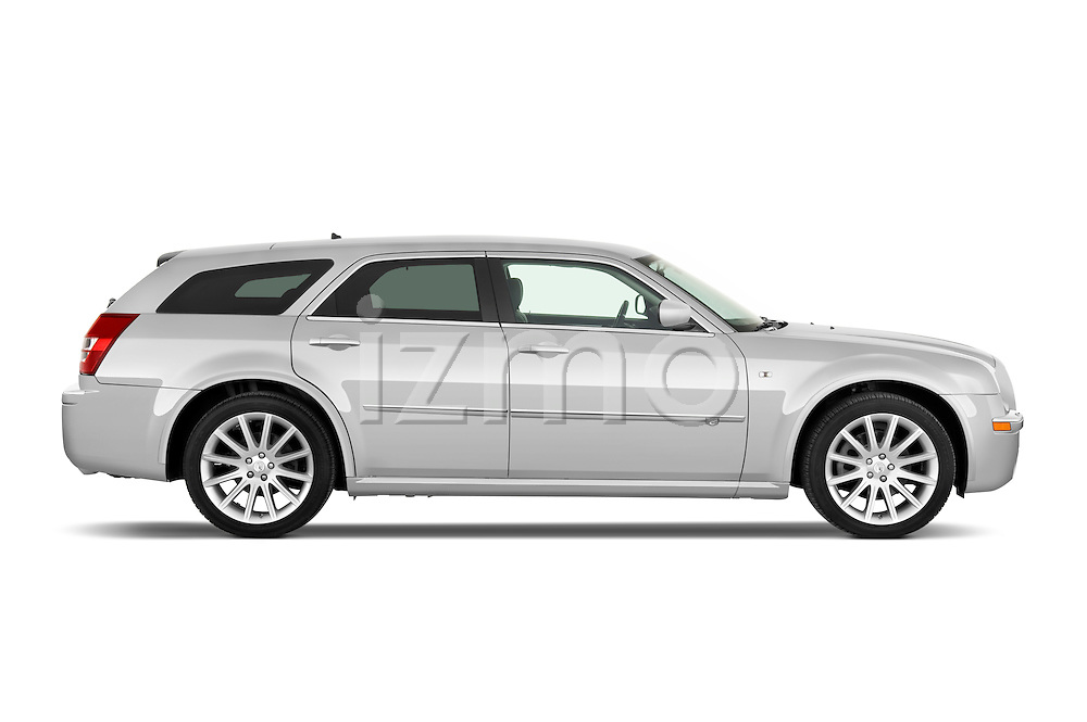 Passenger side profile view of a 2009 Chrysler 300 CRD.