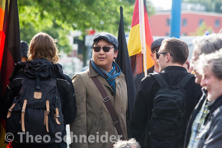 """Mitglied im Vorstand der AfD-Jugend """"Junge Alternative Berlin"""" The-Hao Ha // Rund 100 Anhänger der """"Identitären Bewegung"""" zogen zum 17. Juni durch Berlin-Mitte."""