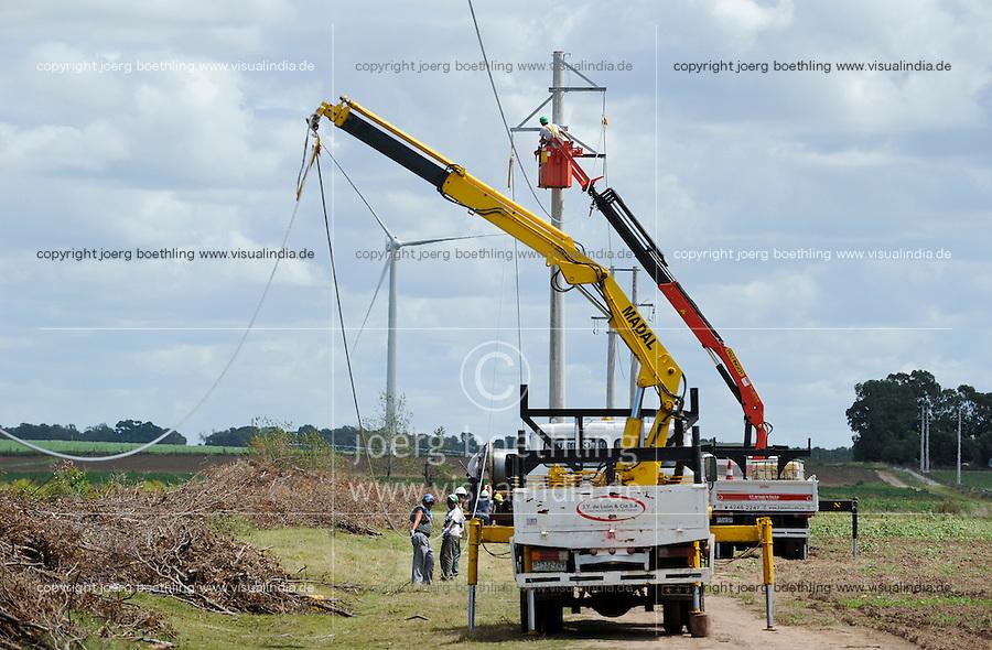 URUGUAY Ciudad de Plata , Anschluss des UTE Windparks Kentilux mit 5 Vestas Windraeder a 2 MW an das Stromnetz der UTE Usinas y Trasmisiones Eléctrica dem staatlichen Energieversorger   .URUGUAY windfarm with Vestas Windturbine and grid connection of UTE the public energy company