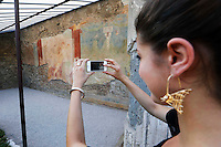 Completato il restauro dell'affresco dell' Adone Ferito, finanziato con il contributo delle vendite del Libro di Alberto Angela i tre giorni di Pompei