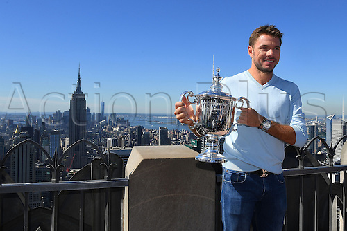 12.09.2016. Rockefeller Center, New York, USA. US Mens Open Singles champion,  Stan Wawrinka (SUI) displays his trophy on the rooftop