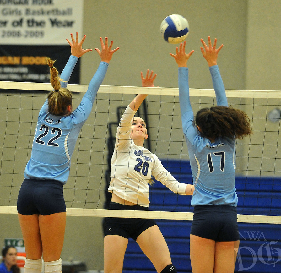 NWA Democrat-Gazette/MICHAEL WOODS &bull; @NWAMICHAELW<br /> The Har-Ber Wildcats vs the Rogers Mounties during Thursday night's volleyball game at Rogers High School October 15, 2015.
