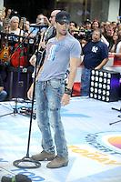 Enrique Iglesias actúa en directo en el Today Show de la Serie de Conciertos de Verano en la Plaza Rockefeller en Nueva York el 19 de agosto, 2011.<br /> (Foto©mpi01/MediaPunch/NortePhoto.com*)<br /> **SOLO*VENTA*EN*MEXiCO**<br /> **CREDITO*OBLIGATORIO**