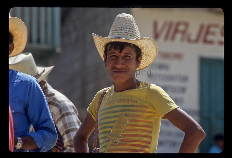 People and street scenes and everyday life in the city of Flores in Guatemala. Photos taken April 1989.©Anacleto Rapping