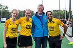 BLOEMENDAAL - scheidsrechters Maartje de Bruijn, Fanneke Alkemade, Jacir Soares de Brito , BG Peter Elders  , 2e play out wedstrijd tussen Bloemendaal-HGC dames (2-0). COPYRIGHT KOEN SUYK