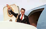 Ron Bennett wave from Air Force One, RTB, Ron Bennett Photojournalist, Ron Bennett Photographer, Fine Art Photography by Ron Bennett, Fine Art, Fine Art photography, Art Photography, Copyright RonBennettPhotography.com ©