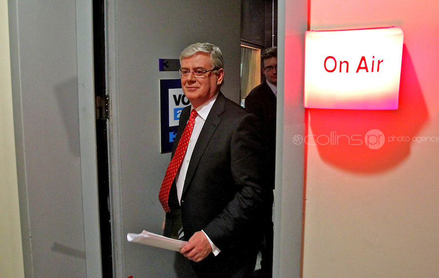 08/02/'11 Eamon Gilmore pictured leaving TV3, Ballymount Dublin where he participated in the first televised leader's debate of Election 2011...Picture Colin Keegan, Collins, Dublin.