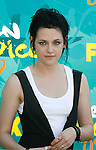 UNIVERSAL CITY, CA. - August 09: Actres Kristen Stewart arrives at the Teen Choice Awards 2009 held at the Gibson Amphitheatre on August 9, 2009 in Universal City, California.