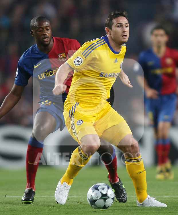 Chelsea's Frank Lampard (r) and FC Barcelona's Toure Yaya during the UEFA Champions League match.April 28 2009. (ALTERPHOTOS/Acero).
