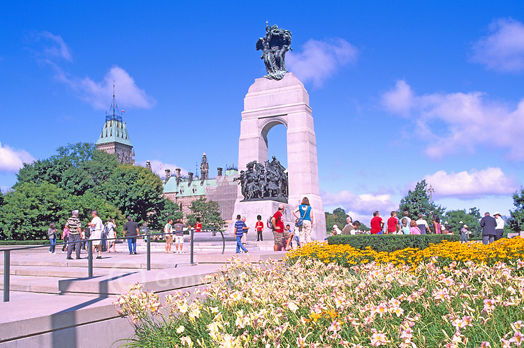 "The ""National War Memorial"" (aka ""The Response"") (built 1926 to 1938) and the ""Canadian Tomb of the Unknown Soldier"" (2000), in the City of Ottawa, Ontario, Canada"