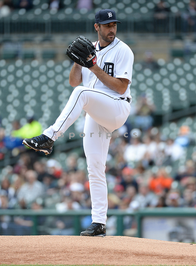 Detroit Tigers Justin Verlander (35) during a game against the Pittsburgh Pirates on April 11, 2016 at Comerica Park in Detroit, MI. The Pirates beat the Tigers 7-4.