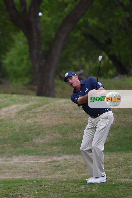 Matt Kuchar (USA) chips on to 5 during day 4 of the WGC Dell Match Play, at the Austin Country Club, Austin, Texas, USA. 3/30/2019.<br /> Picture: Golffile   Ken Murray<br /> <br /> <br /> All photo usage must carry mandatory copyright credit (© Golffile   Ken Murray)