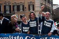 """Roma 30 Marzo 2011.Manifestazione dei 'comitati dei Comuni campani uniti per il diritto alla casa' per chiedere """"la sospensione immediata degli abbattimenti delle  prime e uniche case"""". costruite abusivamente nei comuni della regione Campania. Sono previsti 66mila demolizioni."""