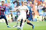 Real Madrid's Toni Kroos (l) and Levante UD's Ruben Rochina during La Liga match. September 14,2019. (ALTERPHOTOS/Acero)
