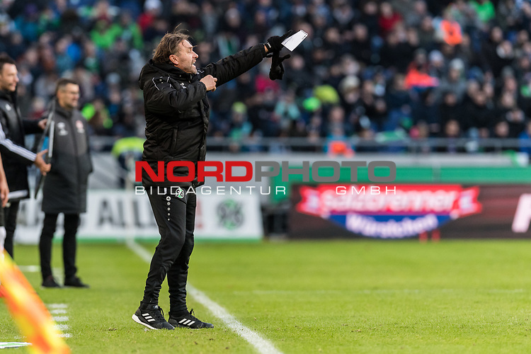 09.02.2019, HDI Arena, Hannover, GER, 1.FBL, Hannover 96 vs 1. FC Nuernberg<br /> <br /> DFL REGULATIONS PROHIBIT ANY USE OF PHOTOGRAPHS AS IMAGE SEQUENCES AND/OR QUASI-VIDEO.<br /> <br /> im Bild / picture shows<br /> Thomas Doll (Trainer Hannover 96) mit Notizzettel und Anweisungen in Coachingzone / an Seitenlinie, <br /> <br /> Foto &copy; nordphoto / Ewert