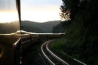 Barao de Cocais_MG, Brasil. ..Trem de passageiros da Estrada de Ferro Vitoria-Minas...The passenger train of the Railroad Vitoria-Minas...Foto: MARCUS DESIMONI / NITRO