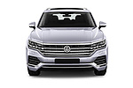 Car photography straight front view of a 2019 Volkswagen Touareg Business-Atmosphere 5 Door SUV Front View