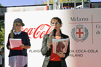 - Milano, ottobre 2016, il padiglione della Coca Cola all'Expo 2015 donato alla citt&agrave; e  ricostruito nei giardini di via La Spezia, periferia sud, come campo coperto di pallavolo. Evguenia Stoitchkova, Direttore Generale di CocaCola Italia<br />