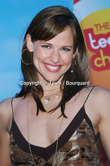 Jennifer Garner arriving at The Teen Choice Awards 2004 at the Universal Amphitheatre in Los Angeles. August 8, 2004