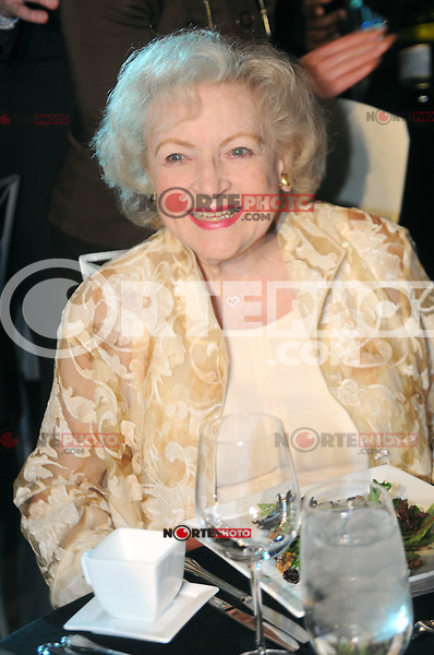 Betty White at the Grand Re-opening of the Museum of Broadcast Communications (MBC) in Chicago. June 12, 2012. © mpi30/MediaPunch Inc. NORTEPHOTO.COM<br />