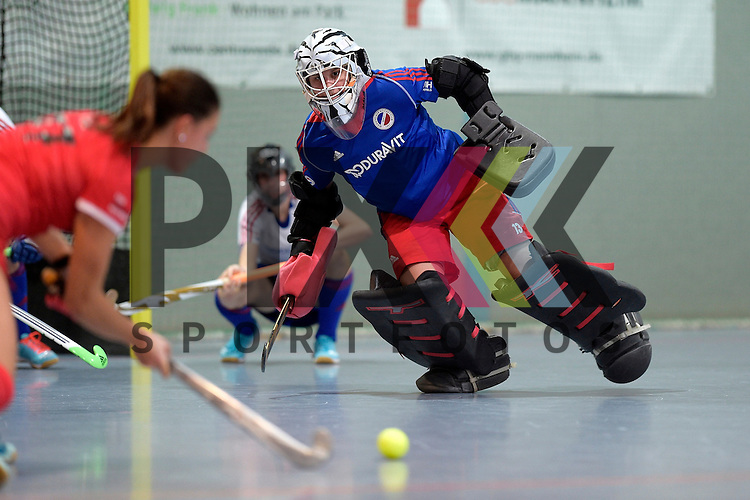 GER - Mannheim, Germany, December 05: During the 1. Bundesliga Sued Damen indoor hockey match between Mannheimer HC (white) and TSV Mannheim (red) on December 5, 2015 at Irma-Roechling-Halle in Mannheim, Germany. Final score 7-1 (HT 5-0).  Nadine Stelter #13 of Mannheimer HC<br /> <br /> Foto &copy; PIX-Sportfotos *** Foto ist honorarpflichtig! *** Auf Anfrage in hoeherer Qualitaet/Aufloesung. Belegexemplar erbeten. Veroeffentlichung ausschliesslich fuer journalistisch-publizistische Zwecke. For editorial use only.