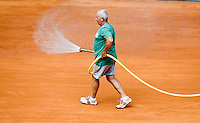 28-5-08, France,Paris, Tennis, Roland Garros,  court maintenance,spraying water
