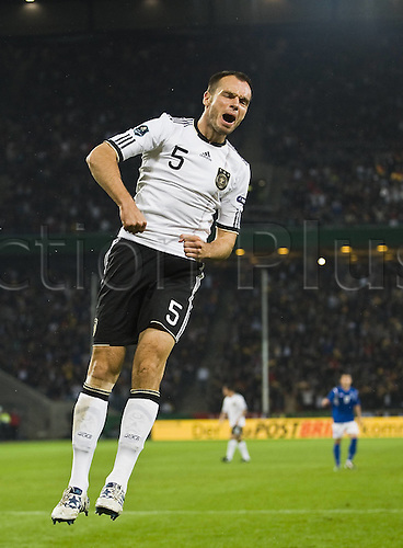 07.09.2010 Germany continued their smooth start to Euro 2012 qualifying with a comprehensive victory over Berti Vogts' Azerbaijan in Cologne. Picture shows Heiko Westermann.