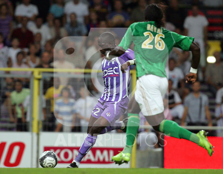 Moussa Sissoko scores the third goal for Toulouse. Toulouse v Saint Etienne (3-1), 2eme Journee, Ligue 1 2009/2010, Stade Municipal, Toulouse, France, 15th August 2009.