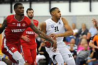 UITHUIZEN = Basketbal, Donar - Aris, voorbereiding seizoen 2017-2018, 02-09-2017,  Donar speler Stephen Domingo met Aris speler Earl Brown jr