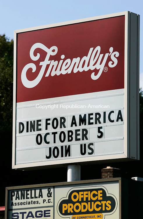 WATERBURY,  CT 05 October 2005 -100505BZ01- Friendly's on Watertown Avenue has a sign asking for customers to &quot;Dine For America&quot;  Wednesday afternoon.<br /> Jamison C. Bazinet / Republican-American
