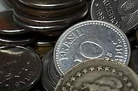 Belo Horizonte_MG, Brasil...Detalhe de moedas brasileira antigas...Old Brazilian coins...Foto: BRUNO MAGALHAES /  NITRO