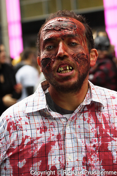 A male participant in the Montreal Zombie walk