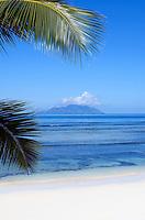 Seychelles, Island Mahe, Anse Beau Vallon: beach<br />