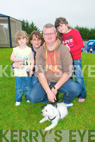 Abbeyfeale Fun Day : Pictured at the Fun Day in Abbeyfeale town park were Kerry Ann, Marie, Sean & Shauna O' Connor, Mountcollins and their dog Charlie.