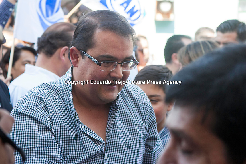 San Juan del R&iacute;o, Qro. 12 abril 2018.- Guillermo Vega se registr&oacute; esta tarde como candidato a la presidencia municipal de San Juan del R&iacute;o por el Partido Acci&oacute;n Nacional.<br /> <br /> Asegur&oacute; que su campa&ntilde;a ser&aacute; ciudadana, de cara a los sanjuanenses, aunque dijo que por el momento no tiene urgencia de presentarse como candidato com&uacute;n de otros institutos pol&iacute;ticos.<br /> <br /> El aspirante a alcald&iacute;a dijo que decidi&oacute; buscar la reelecci&oacute;n para dar continuidad a los trabajos  de mejora del municipio emprendidos en este periodo de gobierno.
