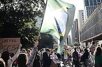 SAO PAULO, SP,22 de junho 2013-Protesto contra a PEC 37 no Masp na Av Paulista na tarde de hoje ADRIANO LIMA / BRAZIL PHOTO PRESS).