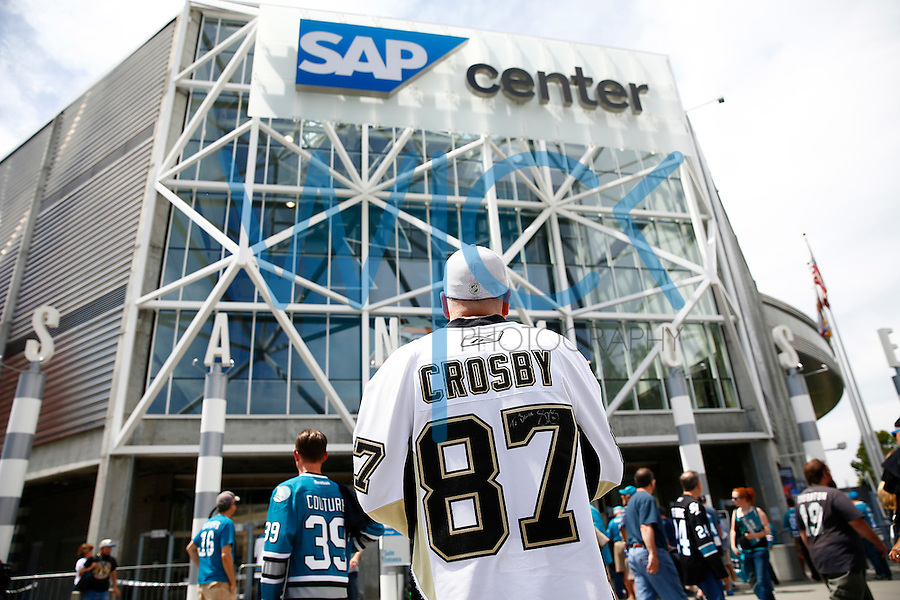 A Pittsburgh Steelers fan stands in front of the the SAP Center prior to game three of the Stanley Cup Final at the in San Jose, California on June 4, 2016. (Photo by Jared Wickerham / DKPS)