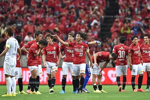 Urawa Reds team group,<br /> AUGUST 16, 2014 - Football / Soccer :<br /> Urawa Reds players after the 2014 J.League Division 1 match between Urawa Red Diamonds 1-0 Sanfrecce Hiroshima at Saitama Stadium 2002 in Saitama, Japan. (Photo by AFLO)