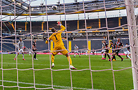 Goal scored, Tor zum 1:0 durch Vincenzo Grifo (SC Freiburg) / Kevin Trapp (Eintracht Frankfurt)<br />  - 26.05.2020 Fussball 1.Bundesliga Spieltag 28, Eintracht Frankfurt  - SC Freiburg emspor, <br /> <br /> Foto: Jan Huebner/Pool/ Via Marc Schueler/Sportpics.de<br /> (DFL/DFB REGULATIONS PROHIBIT ANY USE OF PHOTOGRAPHS as IMAGE SEQUENCES and/or QUASI-VIDEO), Editorial use only. National and International News Agencies OUT
