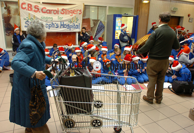 CBS Christmas Carol singing at Dunnes Mall in aid of St Josephs Hospital.Pic Arthur Ellis.